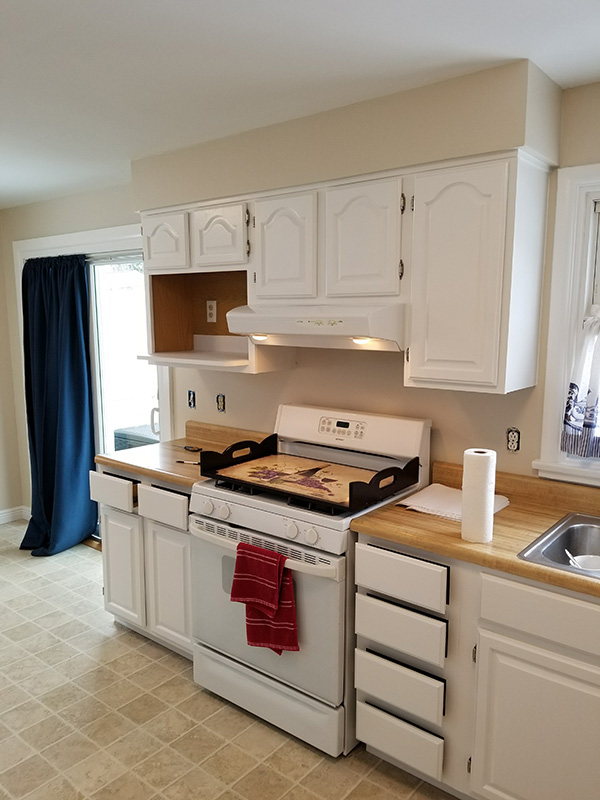 whte cabinets upper and lower-600